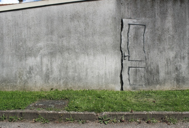 exit to surrealism / paris